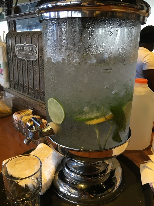 Miami Juice - Water and lemon dispenser
